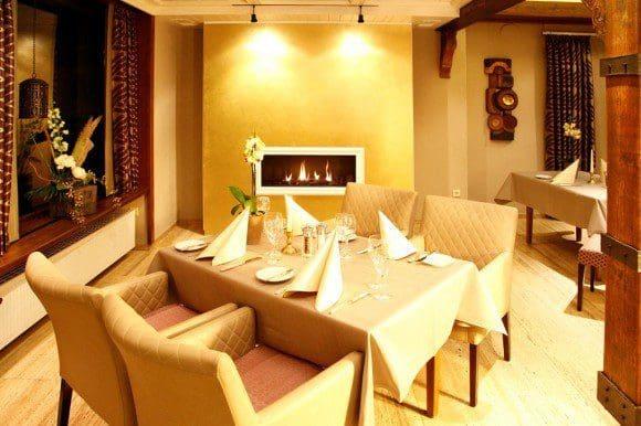Im Restaurant lässt es sich wundervoll genießen.- Foto: Flair Hotel Nieder