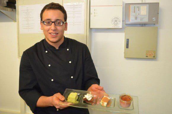 Anspruchsvolle Dessertkreationen gehören ebenso zum Alltagsgeschäft wie das Kartoffelschälen. - Foto: LWL/Hötte