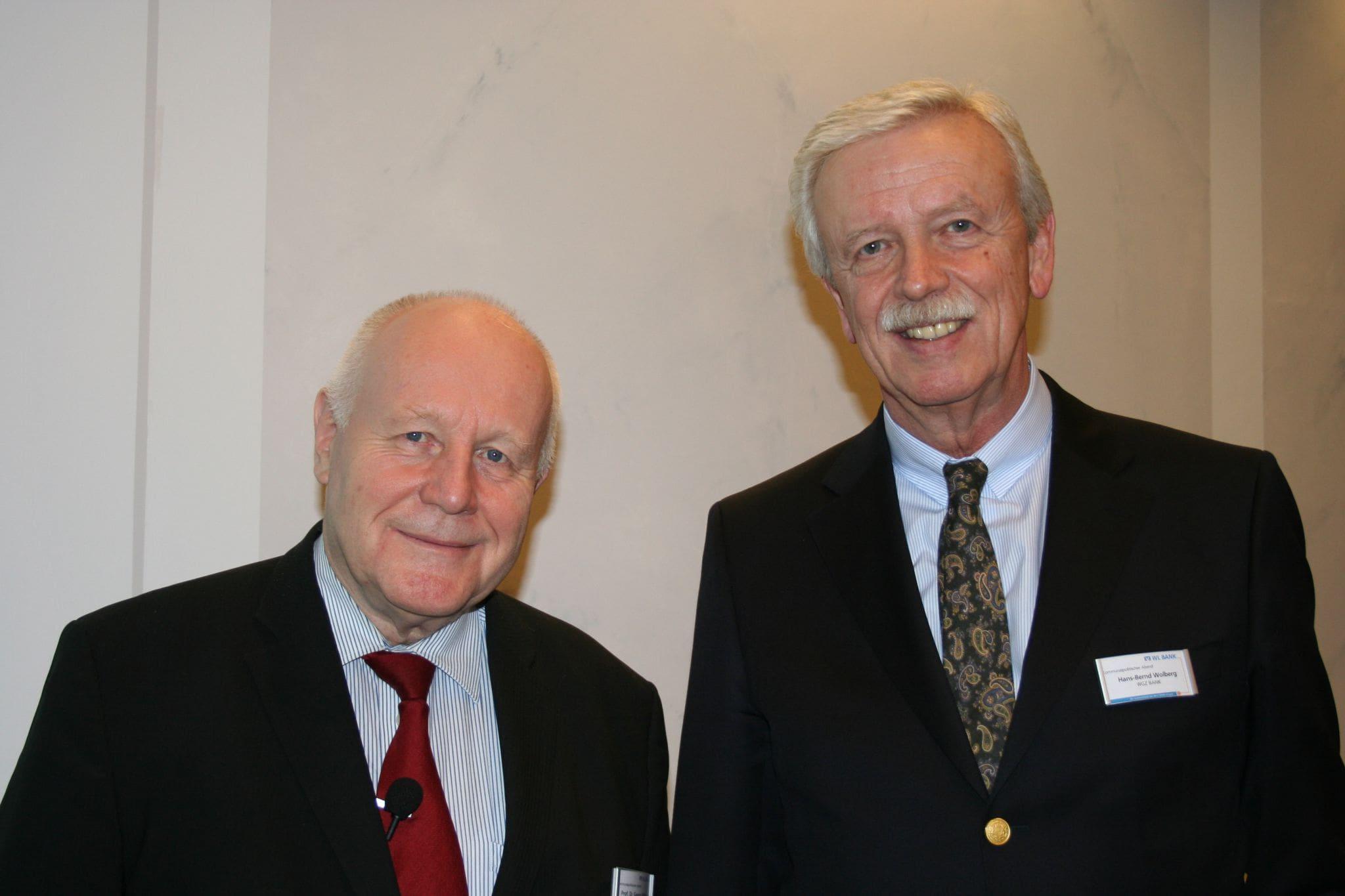 Prof. Dr. Georg Milbradt (l.) mit Hans-Bernd Wolberg, Vorstandsvorsitzenden der WGZ Bank (r.)