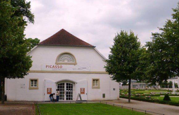 Picasso: Das Grafische Werk in der Reithalle Schloss Neuhaus. - Foto: Paderborn