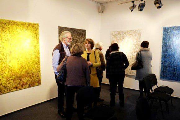 Besucher bei der Ausstellungseröffnung - Foto: k.-H. Schmalzried, 2015