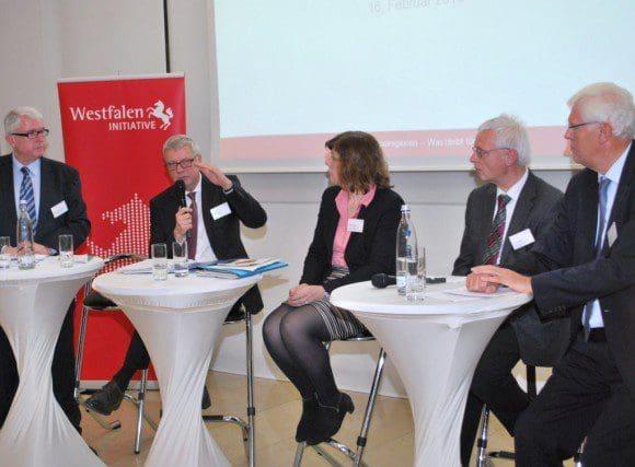 Diskutierten die Rolle Westfalens neben den Metropolregionen Rheinland und Ruhrgebiet (v.l.): Moderator Dr. Hans-Ulrich Predeick, Martin Hennicke, Elisabeth Wessel, Reinold Stücke und Dr. Peter Paziorek.