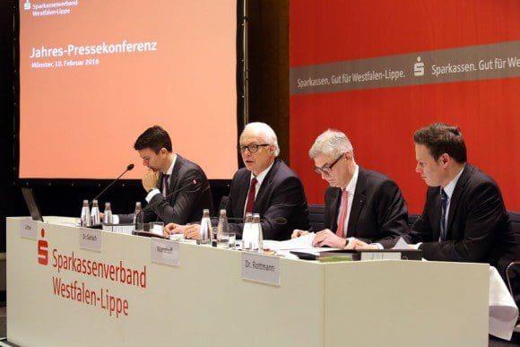 Konjunkturdaten während der Jahrespressekonferenz des Sparkassenverbandes