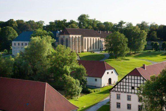 Einst Ort der Stille, heute LWL-Landesmuseum: das Kloster Dalheim. Foto: Andreas Lechtape