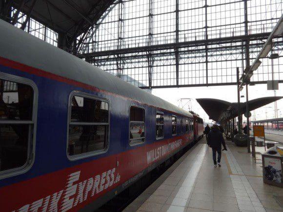 Zu Ostern werden besonders viele Reisende auf den HKX-Zügen erwartet