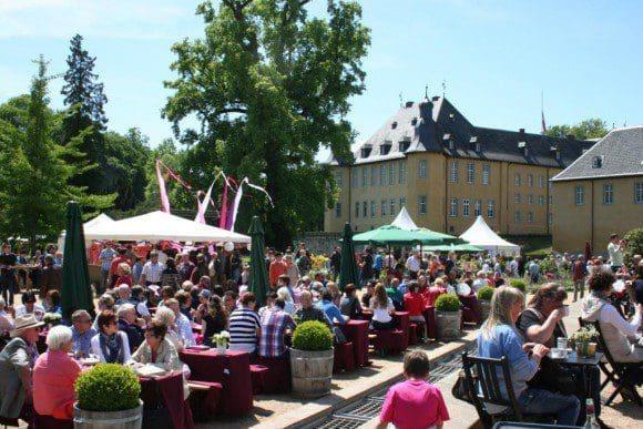 Buntes Treiben bei der Lifestyle-Messe Gartenlust auf Schloss Dyck