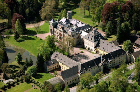 Das Schloss ist eine echte Traumkulisse für eine Messe für exquisite Lebensart