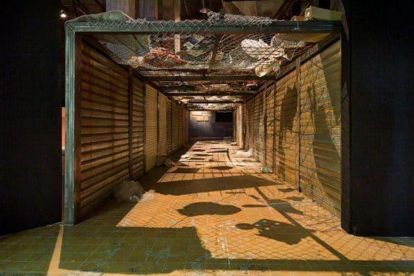 Los de Arriba y Los de Abajo, 2015 Installationsansicht Göteborg Biennial Courtesy: Kader Attia und Galerie Nagel Draxler Berlin/ Köln Foto: Hendrik Zeitler