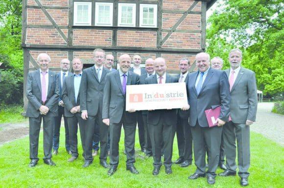 Spitzenvertreter von Mitgliedsunternehmen der Industriegemeinschaft Münster zogen im Mühlenhof eine positive Bilanz des vergangenen Jahres und nahmen eine Weichenstellung für die kommenden Monate vor.