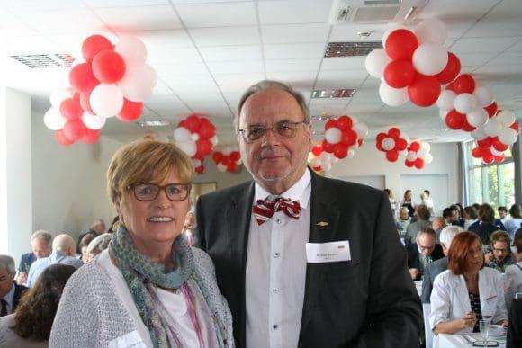 Annette Kersting, Bundesgeschäftsführerin des Kneipp-Bunds, und Michael Bastian vom deutschen Drogistenverband gehörten zu den Gästen bei der feierlichen Einweihung der neuen Verwaltung von Jentschura International