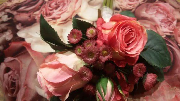 Kissen mit Rosen und Floristik Detail 2