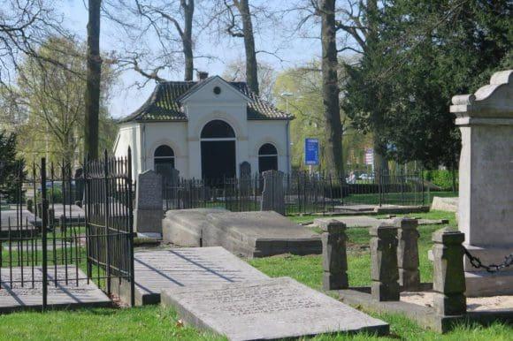 Das musikalische Programm am Sonntag, 10. Juli, beginnt um 16 Uhr auf dem ehemaligen Friedhof, Singelweg 10, am Rande des Winterswijker Ortskerns (Durchgangsstraße von Vreden Richtung Groenlo).