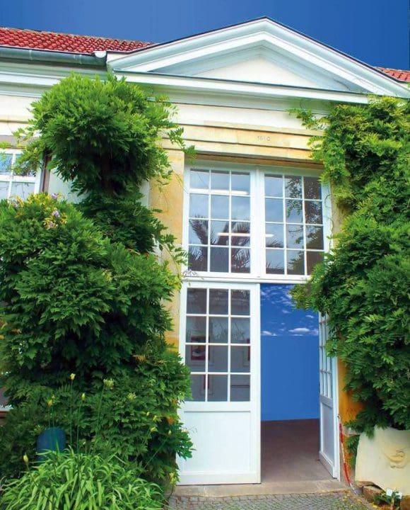 Die Orangerie ist ein besondere Location für die Ausstellung von Helmut Luckmann, Manfred Hesse und Rainer Schwabe.