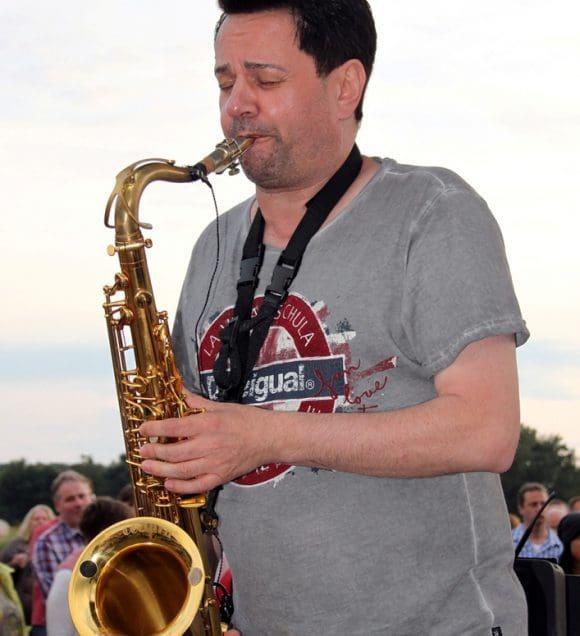 Saxophonist Wolf Codera bringt die Musiker für Session Possible in Olfen zusammen