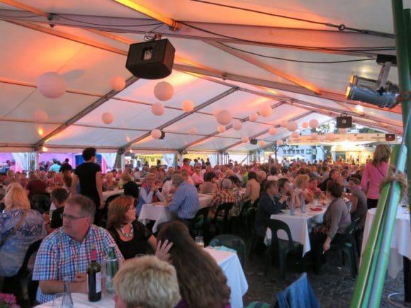 Essen und Trinken und viel Kultur beim Stadtfest