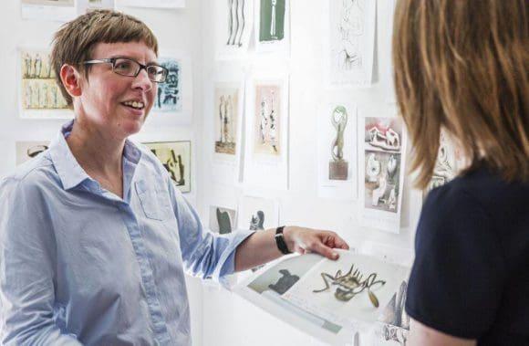 """Tanja Pirsig-Marshall ist Kuratorin der Ausstellung """"Henry Moore. Impuls für Europa"""". - Foto: LWL/Neander"""