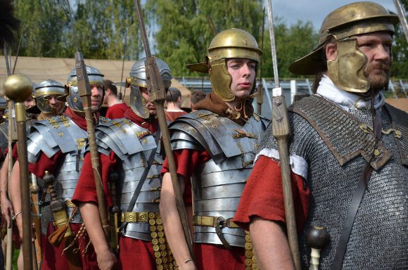 Besonders beliebt bei den Besuchern ist das Exerzieren der römischen Truppen.
