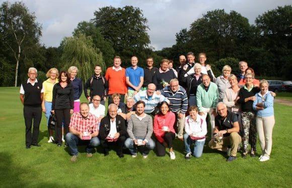 Zufriedene Turnierteilnehmer beim Tiger&Rabbit-Turnier im Golfclub Ahaus