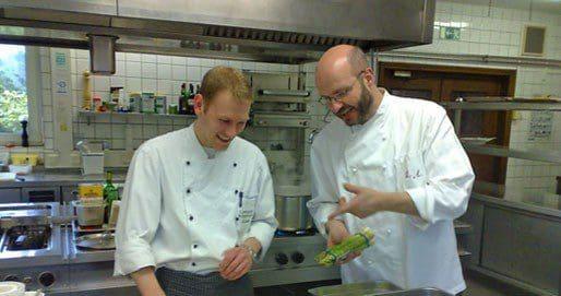 Ideenreich zaubert Patron und Küchenchef Uwe Aust mit seinem Team moderne saisonale Köstlichkeiten oder Menüs.