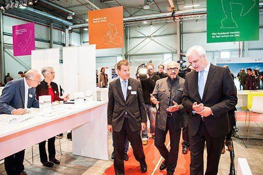 Keynote-Sprecher Jochen Schweizer zusammen mit NRW-Wirtschaftsminister Garrelt Duin (vr)
