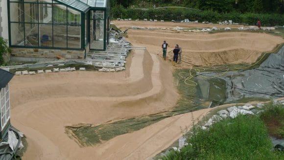 NaturaGart Schwimmteich Grube