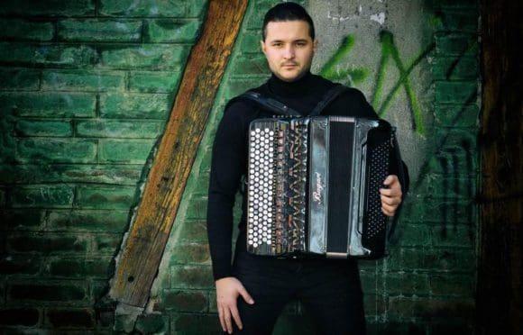 """Zetan Zoran-Tetovic spielt die """"Küchenterz"""" in Münster-Gievenbeck"""