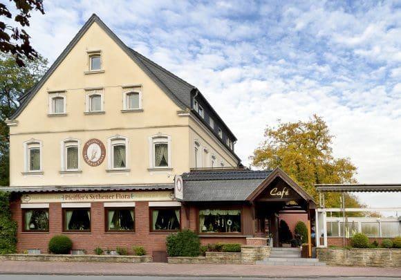 """Hotel-Restaurant Pfeiffer's Sythener Flora in Haltern am See ist wieder Wirt bei """"Haltern bittet zu Tisch"""""""