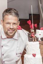 Konditormeister Bernd Voschepoth kann sich freuen: Sein Cafe Twin in Lippetal-Herzfeld ist die Westfälische Konditorei des Jahres 2017