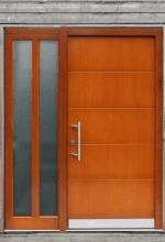 Türen verleihen dem Haus ein Gesicht