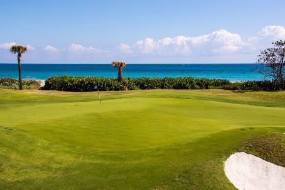 """Golf in Florida: Unterwegs auf dem 18-Loch-Kurs """"Golf on the Ocean in Palm Beach"""