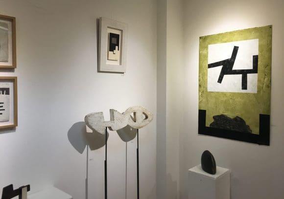 Die Ausstellung in der Galerie Open Art in Borken ist wie ein bescuh im Atelier von Marzo Mart