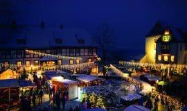 Traditioneller Weihnachtsmarkt und exquisites Kunsthandwerk