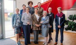 Frauen für öffentliche Ämter stärken
