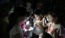 Mit der Taschenlampe in die Steinzeit