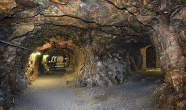 Höhlen, Stollen, alte Kerker