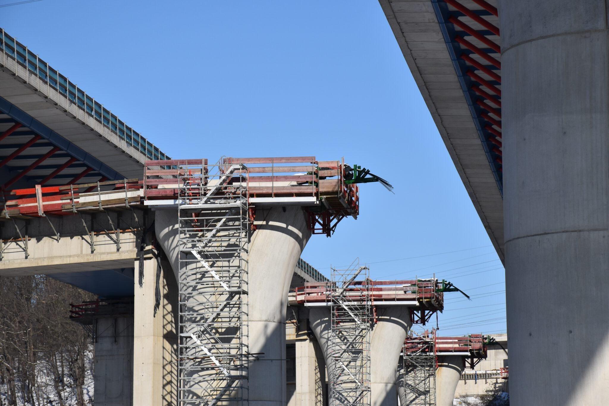 Brücke verschoben