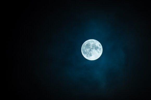 Entfernung zum Mond ist der Maßstab der Challenge