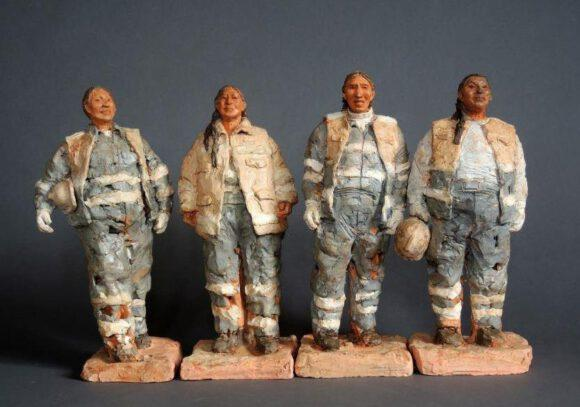 Keramik-Skulpturen beeindrucken in Ausstellung