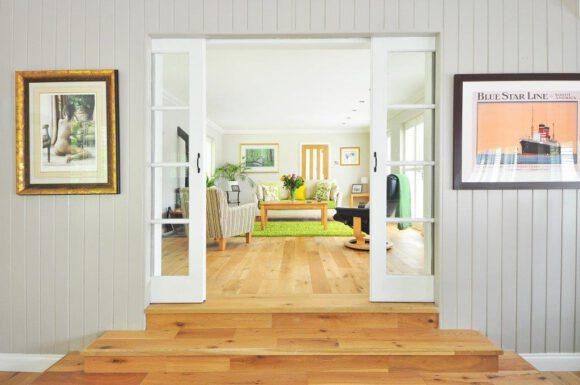 Holz ist Natur in der Wohnung