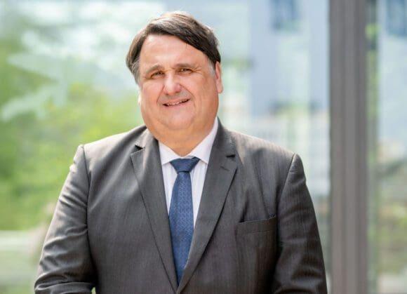 Der Präsident der Universität Maastricht, Martin Paul, ist zum neuen Rektor der RUB gewählt worden.