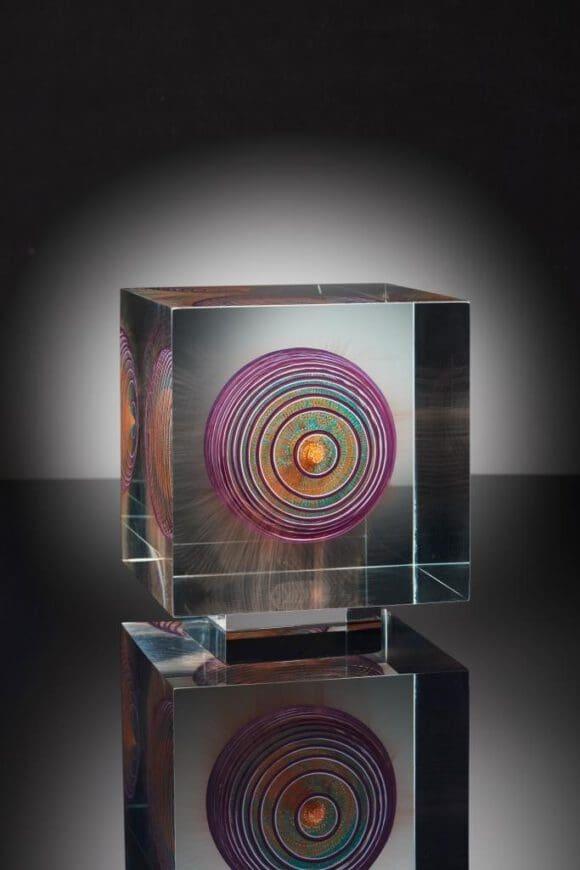 Glasmalerei erobert den Raum