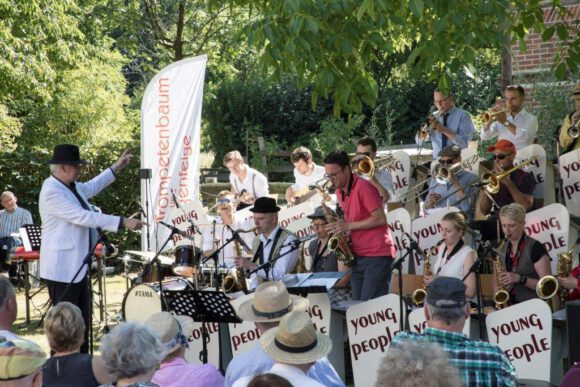 "Festival ""Trompetenbaum & Geigenfeige"" trotzt Corona"