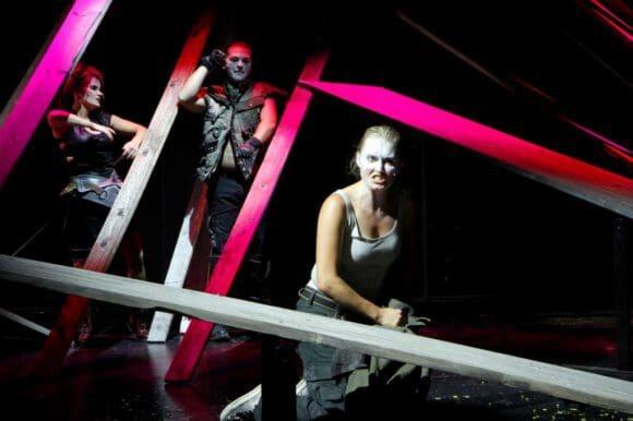 Tolles Bühnenbild im Borchert Theater