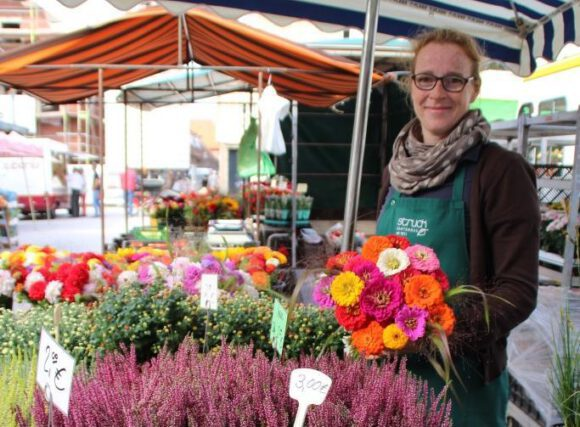 Bauernmarkt auf dem Marktplatz in Lüdinghausen